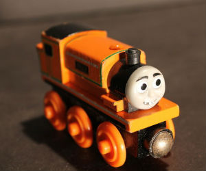 Thomas Wooden Railway - Billy Engine