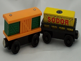 Thomas Wooden Railway – Box Cars