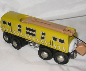 Wooden BRIO Diesel 10 train