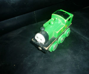 Wooden BRIO Oliver engine