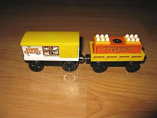 Thomas Wooden Railway – Chicken Trucks