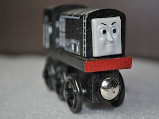 Thomas Wooden Railway - Diesel Engine