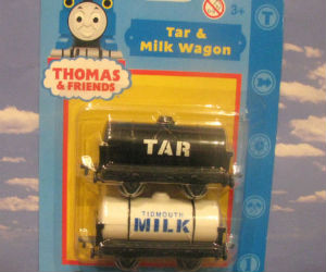 Tar & Milk Wagon diecast ERTL trains