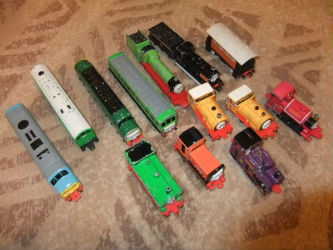 Find our List of ERTL Thomas trains