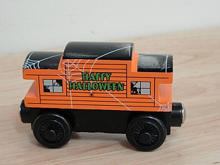Thomas Wooden Railway – Halloween caboose