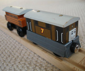Thomas Wooden Railway – Henrietta Vehicle