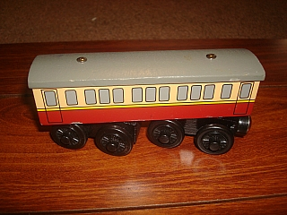 Thomas Wooden Railway – Knapford Express Coach