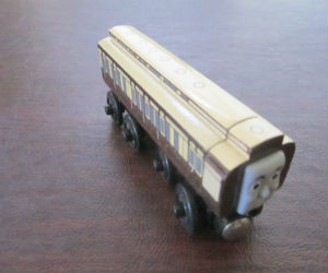 Thomas Wooden Railway – Old Slow Coach
