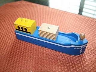 Thomas Wooden Railway – Sodor Bay Cargo Ship Vehicle
