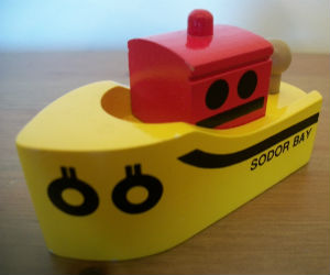 Thomas Wooden Railway – Sodor Bay Tugboat Vehicle