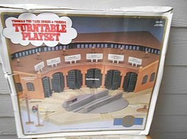 Turntable Playset by Gold Rail Series